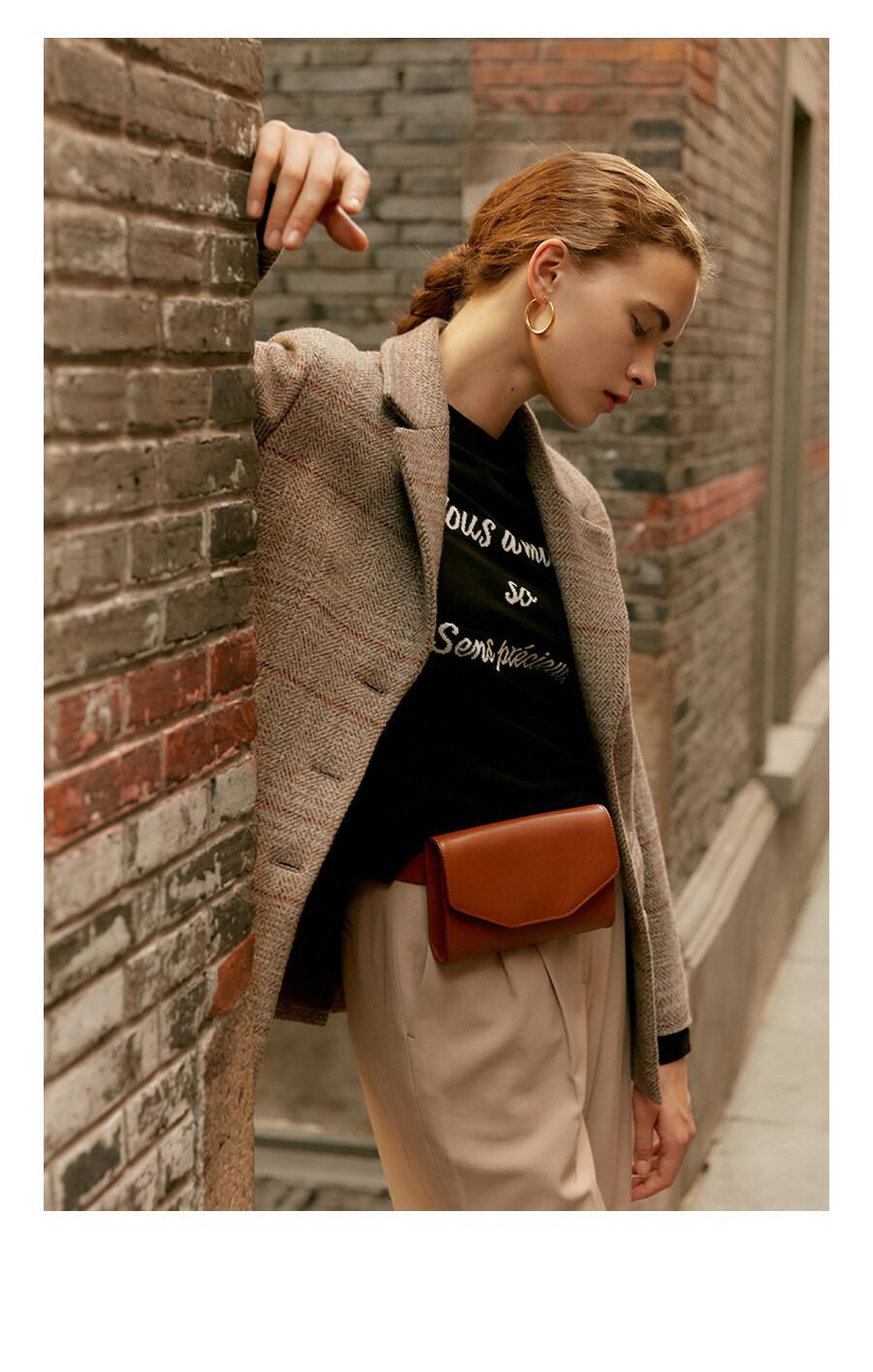 레이브(RAIVE) Leather Belt Bag in brown_VL9AX0290