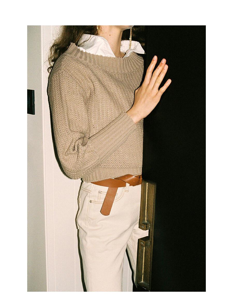 레이브(RAIVE) Raw Cropped Shirt in white_VW9AB0420